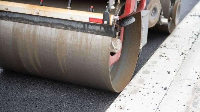 Verkeershinder door nieuwe asfaltlaag in vier straten