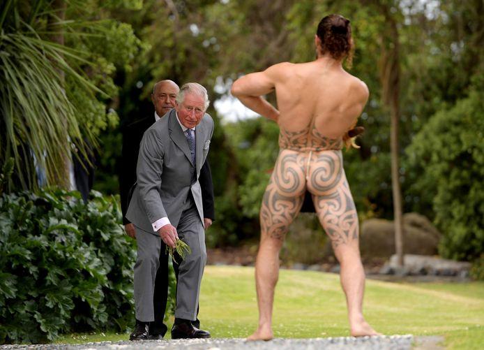Prins Charles wordt op bijzondere manier welkom geheten in Nieuw-Zeeland