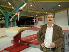 Wim Zegers krijgt lintje voor al zijn werk voor de turnclub