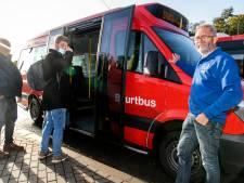 Miljoenen kilometers voor tevreden Twentse streekgenoten: 'Ritje kost maar 2 euro, dat zorgt ook voor een glimlach'