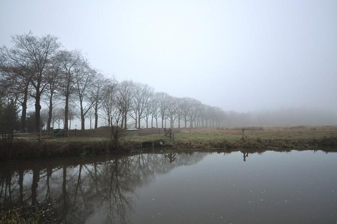 grijs met veel bewolking en mist op donderdagochtend in z.o. Brabant, het is wachten op de zon!