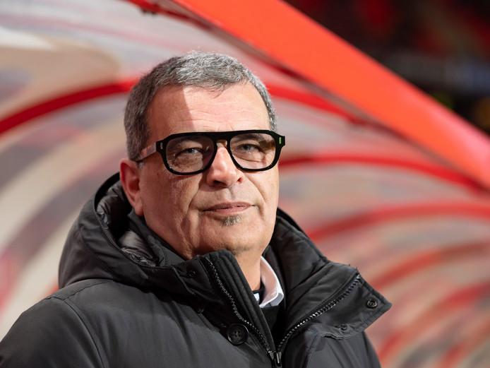 Ted van Leeuwen, technisch directeur van FC Twente, zat woensdag de hele dag in crisisberaad.