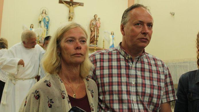 Mans Kremers (R) en Roeli Kremers (L), ouders van de vermiste Kris Kremers