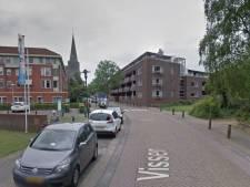 Oudere vrouw zwaargewond achtergelaten na aanrijding in Deurne