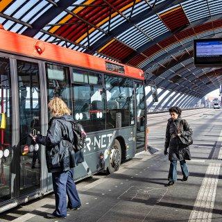 Overheid komt armlastige ov-bedrijven te hulp met aankoop duurzame bussen