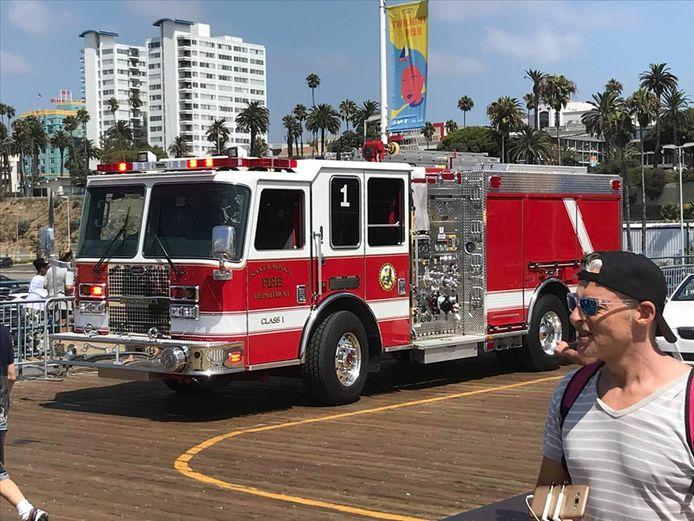 Op de pier van Santa Monica komen de hulpdiensten ter plaatse nadat Vlaming Peter plots heel draaierig werd.
