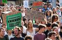 Ook in Lausanne, Zwitserland, zijn vandaag veel scholieren en studenten op de been.