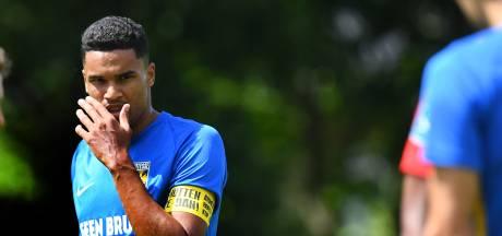 Aanvoerder Danilho Doekhi debuteert in Europees voetbal met Vitesse: 'Als kleine jongen wil je dit'