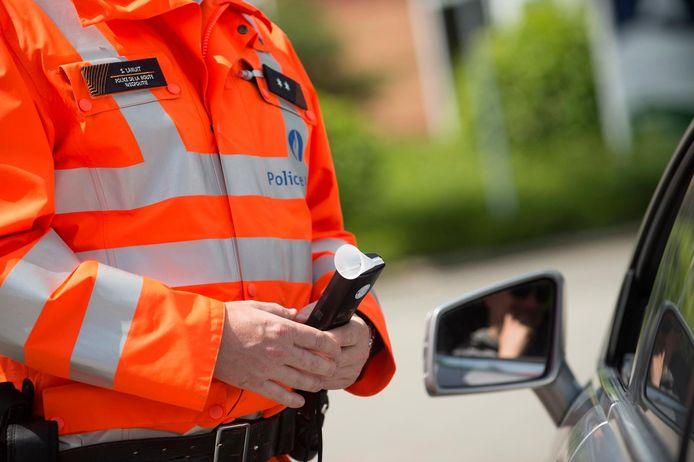 Een Waalse politieman die een verkeersongeval heeft veroorzaakt met 1,77 promille alcohol in zijn bloed, is vrijgesproken.