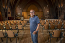 Frans Ganzevles is de initiatiefnemer van het idee om de kerk in Klarenbeek terug te kopen. Ruim driehonderd gezinnen zamelden geld in.