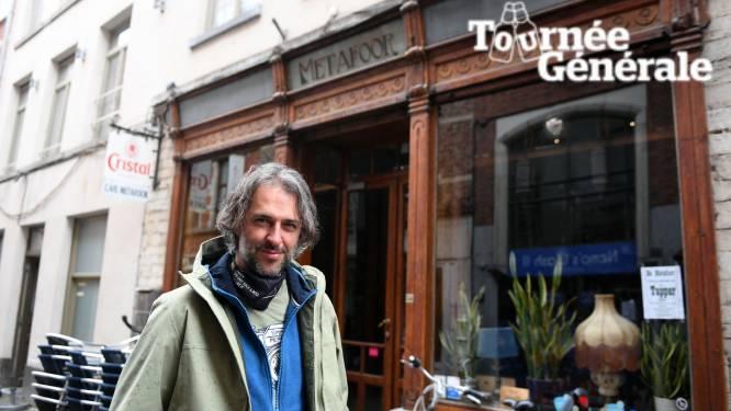 Tournée Générale: Lennaert Maes hoopt op een eerste terrasje bij café De Metafoor