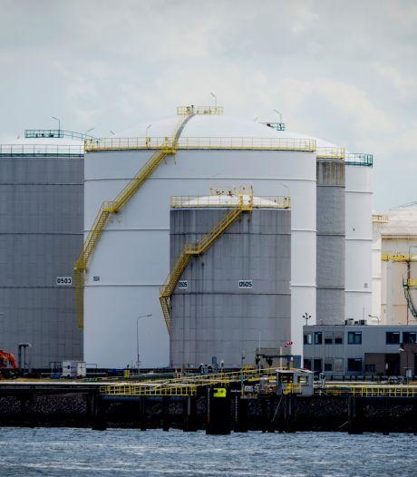 Opslagtanks van Rotterdamse Vopak iets minder vol