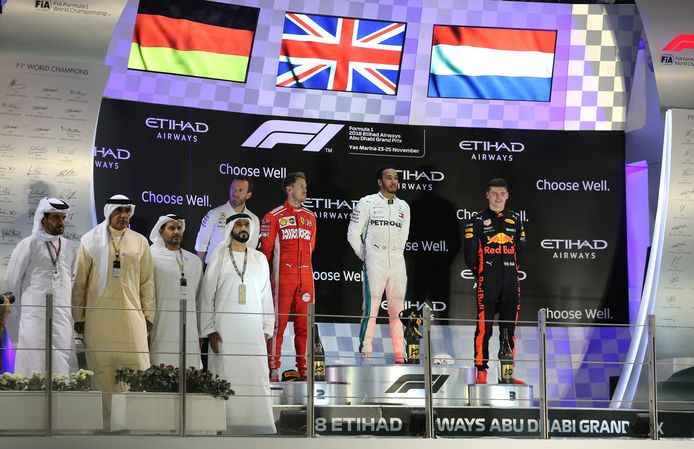 De huldiging op het Yas Marina Circuit van Abu Dhabi.