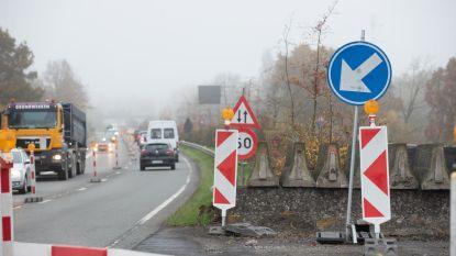 Minstens twee tot drie weken langer dan voorzien filerijden op de gewestweg tussen Bevere en Leupegem