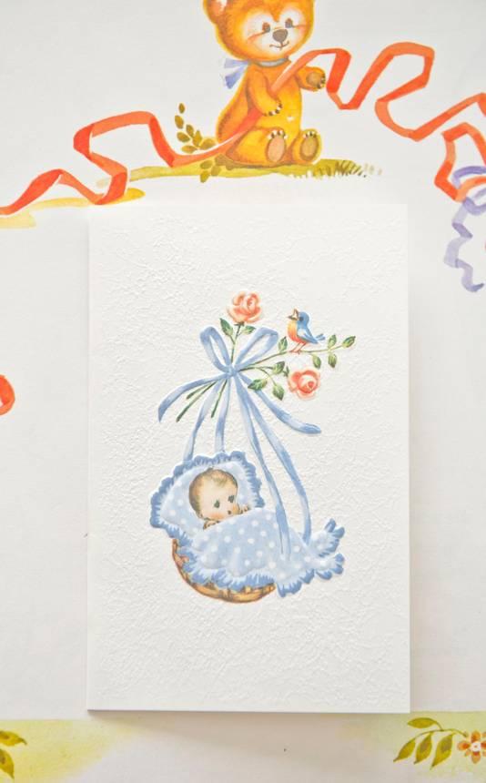 Zodra de baby geboren was, stuurde Karbaat een geboortekaartje en vroeg om een babyfoto.