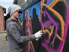 Graffitiartiesten drukken hun stempel op Bossche Ridderspoorstraat