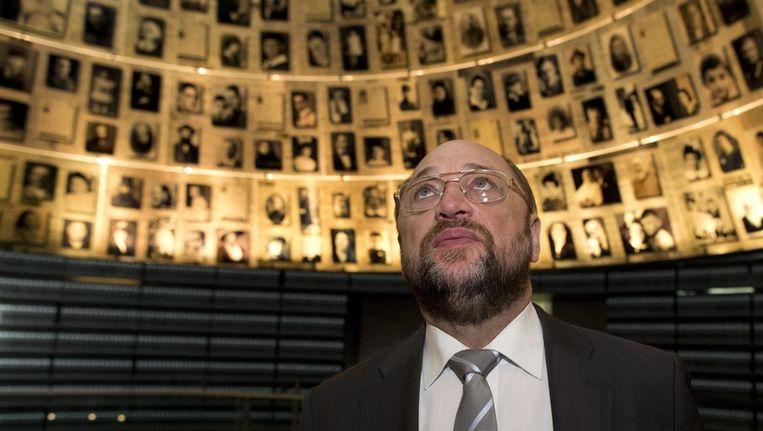 Europarlementariër Martin Schulz bezocht gisteren het Yad Vashem Holocaust memorial museum in Jerusalem. Beeld epa
