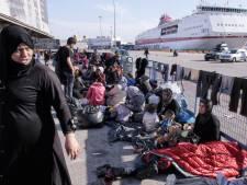 Des milliers de réfugiés bloqués à la frontière greco-macédonienne