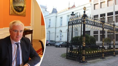 """West-Vlaams gouverneur weigert filmopnames na incident met filmploeg 'Salamander': """"Voetzolen stonden in muur gegraveerd"""""""