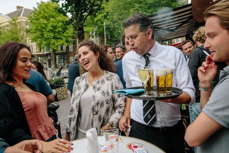 Voor biermerk Amstel is de kroeg Hoppe hét uithangbord Beeld Marc Driessen