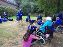 Bootcampers en ouderen sporten samen tijdens de Sociale Sportschool.