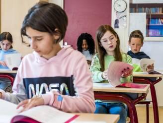"""Franstalig onderwijs kort zomervakantie in, Weyts houdt boot af: """"Debat moet nu niet gevoerd worden"""""""