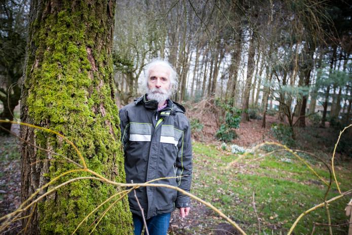 Patrick Greeven van Stichting Milieuzorg Zeist en omgeving probeert de nieuwbouw van de Triodos Bank tegen te houden.