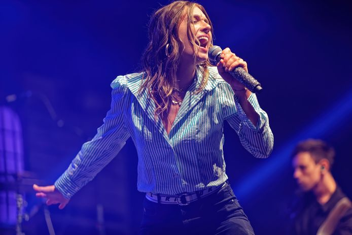 Sfeerpop Oud Gastel. zangeres Maan was een van de bekendste namen in de line-up.