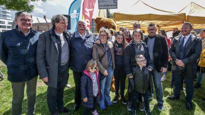 """Koningin van de azaleaverkoop Doris Verlinde krijgt eigen plantsoen in Kortrijk als eerbetoon: """"Ongelooflijk hoeveel zij gedaan heeft voor strijd tegen kanker"""""""