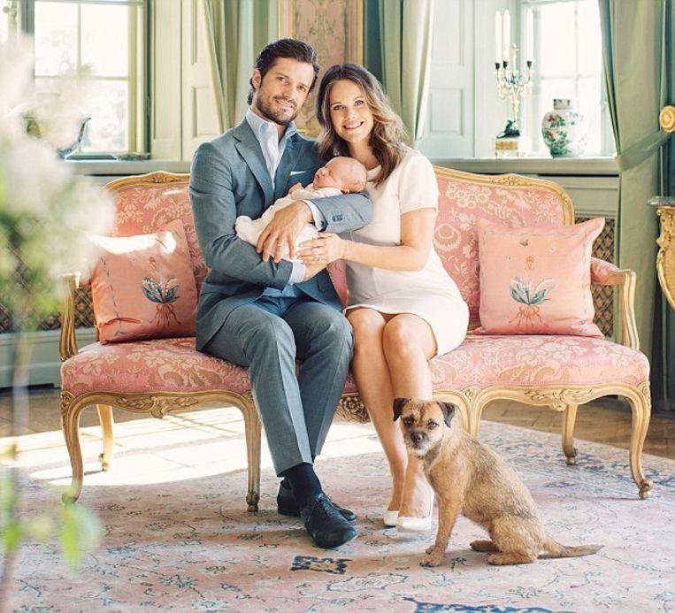 Prins Carl Philip, Prinsessan Sofia och Prins Alexander. Drottningholms slott. Maj 2016 Beeld