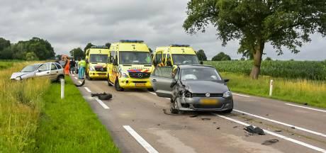 Meerdere gewonden bij botsing tussen twee auto's bij Gilze