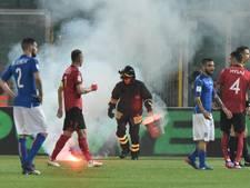 Albanië biedt excuses aan voor vuurwerk gooiende fans