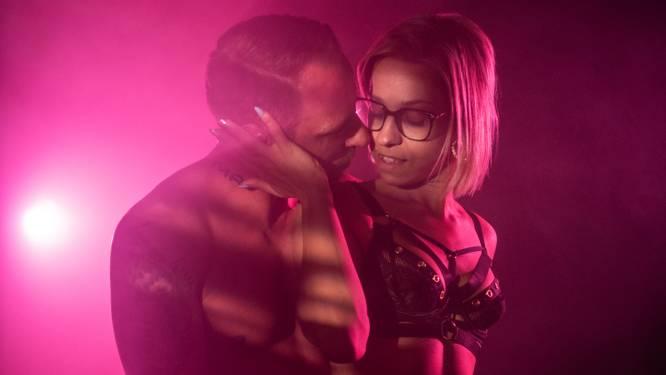 """SEXPERTISE. OnlyFans-gebruikers Jolynn en Jason worstelen met verschillende libido's. """"Hij wil elke 2 dagen seks."""" Relatietherapeut Mieke geeft advies"""