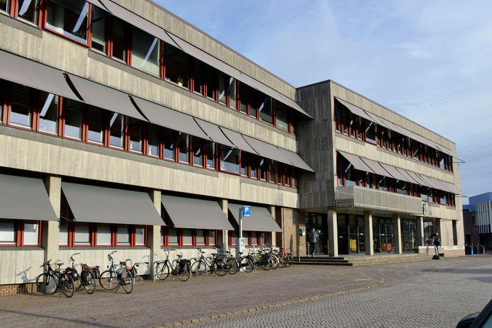 Oldenzaal - Gemeentehuis Ganzenmarkt stadhuis ambtenaren gemeente  editie OL            Foto Carlo ter Ellen DTCT  CTE20161208