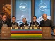 """Chocolatier laat WK tijdrijden niet zomaar voorbijgaan: """"Macarons in de kleuren van de regenboogtrui"""""""