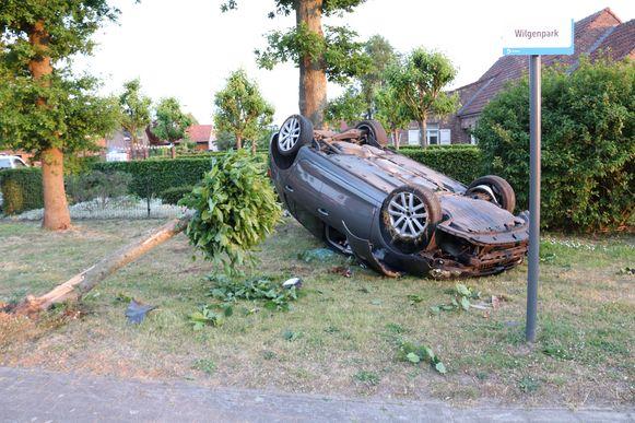 De achtervolging begon in Lokeren en eindigde met een crash in Broekstraat Berlare.