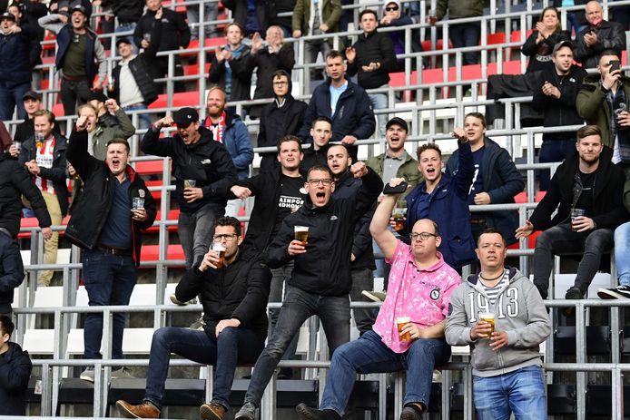 Supporters van PSV voor de thuiswedstrijd tegen FC Groningen.