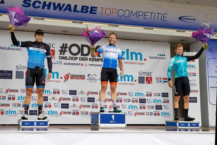 Roy Eefting wint de Omloop der Kempen, voor Coen Vermeltfoort en Jules Hesters.
