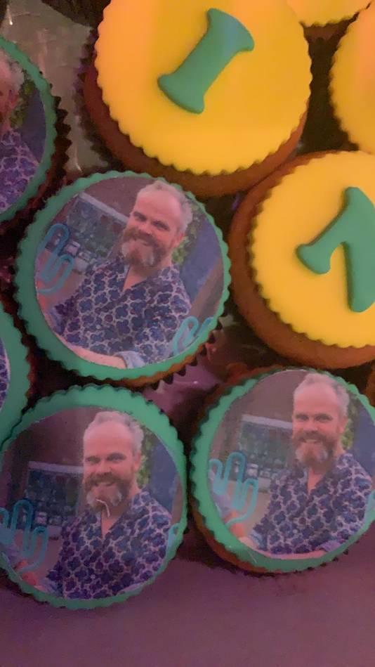 De cupcakes met het gezicht van Erwin Kwakman.
