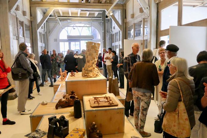 Grote belangstelling voor keramische objecten in Heusden.