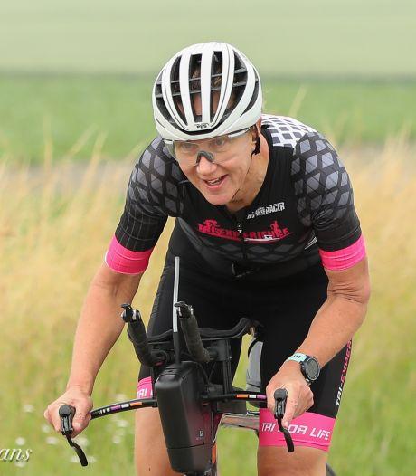 Twee triatlons in één weekend, Richelle van Helten daagt zichzelf steeds weer uit