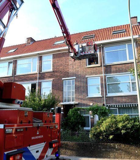 Brandweer haalt slachtoffer van steekpartij uit woning in Moerwijk
