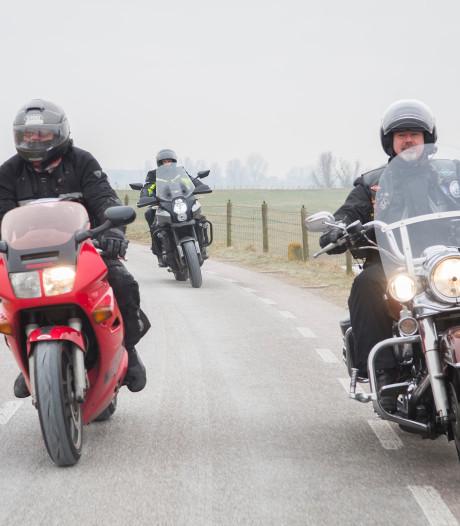 Gemeente Lopik kan het motorverbod op Lekdijk in rechtszaal ook niet goed uitleggen