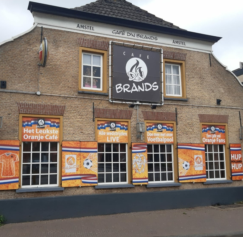Jazeker, in Goirle kan het in ieder geval: juichen voor Oranje in de kroeg.