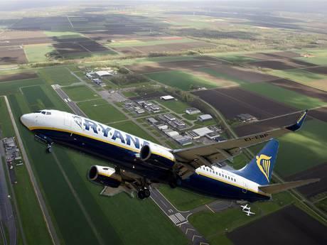 Vliegtuiglawaai: Dijksma belooft provincies niets