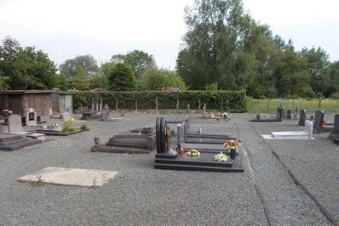 Enkele jaren terug zag de begraafplaats van Bambrugge er zo uit.