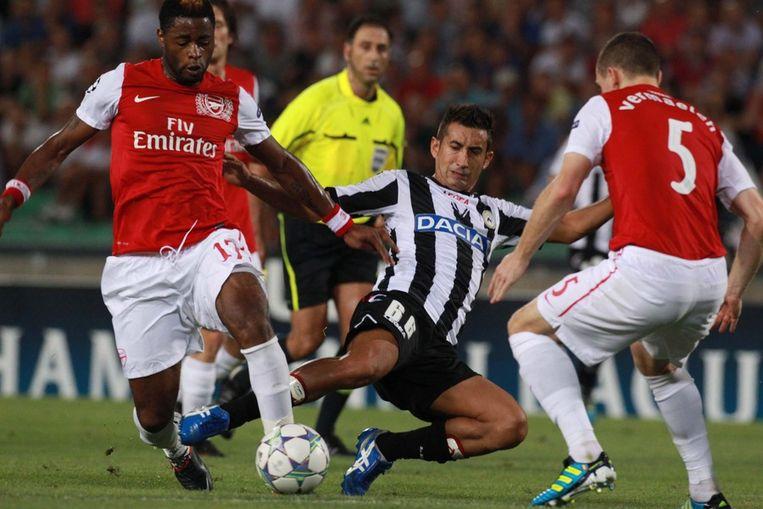 Vermaelen met de 'Gunners' in actie tijdens de noodlottige wedstrijd in Udinese. Beeld EPA