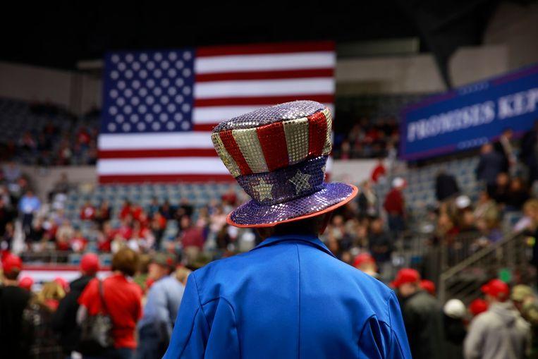 Trump-aanhangers wachten op de toespraak van de Amerikaanse president in Indiana. Beeld Photo News