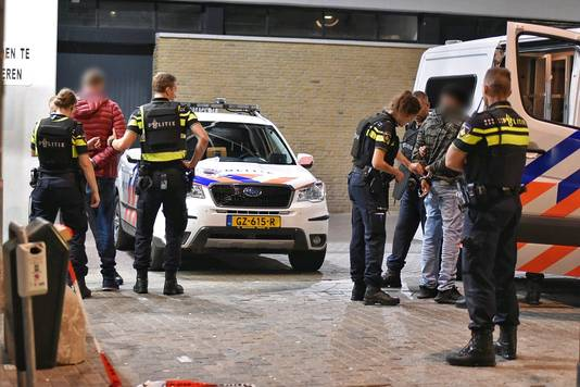 Mannen gearresteerd door politie Tilburg.