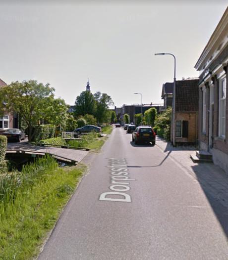 Personen vallen uit bootje in Nieuwkoop